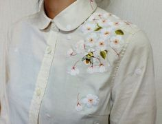 Bee and flower embroidery. h5 | Flickr -