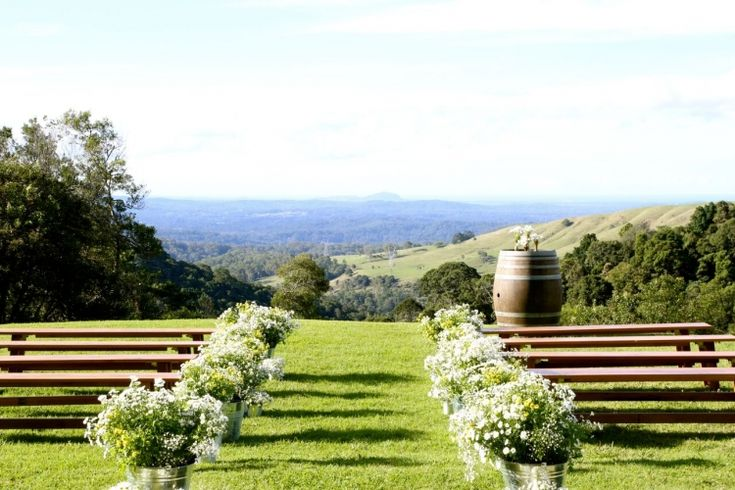 After 101 ideas, and way too many pinterest sessions, we chose Maleny Manor as our location. It is the most incredible location in the hinterland of the Sunshine Coast. We are both born and raised on the Sunshine Coast, so we really wanted this to be our location. Maleny Manor has the most incredible view, you can see the entire coast line. I really wanted to have the whole wedding in 1 place, and the Manor had everything we could have wished for (even accommodation!).