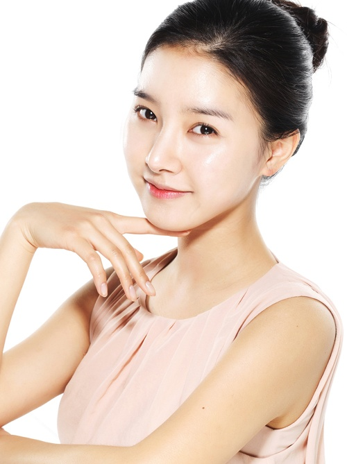 Princess Sookhee becomes a cosmetics model