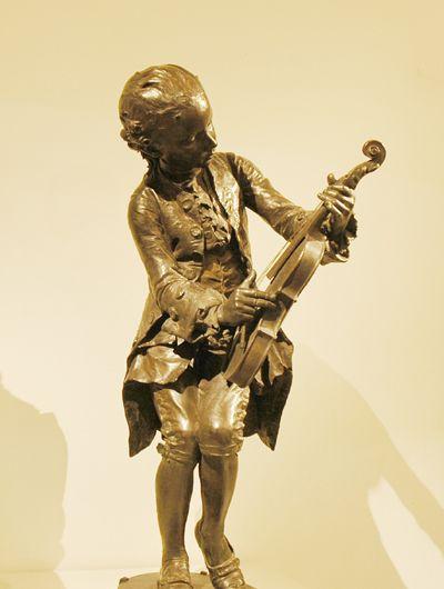 Mozart enfant. Louis Ernest Barrias.