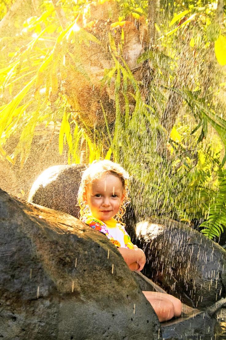 1000+ images about I Love Rain on Pinterest  Autumn rain, Yellow umbrella an # Sunshower Girl_152314