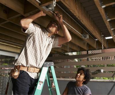 Iluminação embutida em tetos rebaixados | eHow Brasil