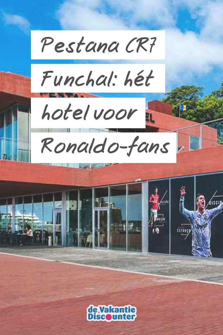 Ben jij een echte Cristiano Ronaldo fan? Dan is een verblijf in Pestana CR7 Funchal echt iets voor jou! In dit hotel op Madeira staat alles in het teken van de stervoetballer. Tekeningen boven je bed, zijn handen als deurklink, zijn zonnebril als spiegel… Overal waar je kijkt is Ronaldo te vinden.