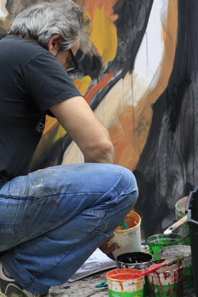 Dipingendo Falcone sotto la Ghirlandina Modena #arte #quadri #art #paintings #francori #modena #musica #music  Visita il mio sito: www.francori.it