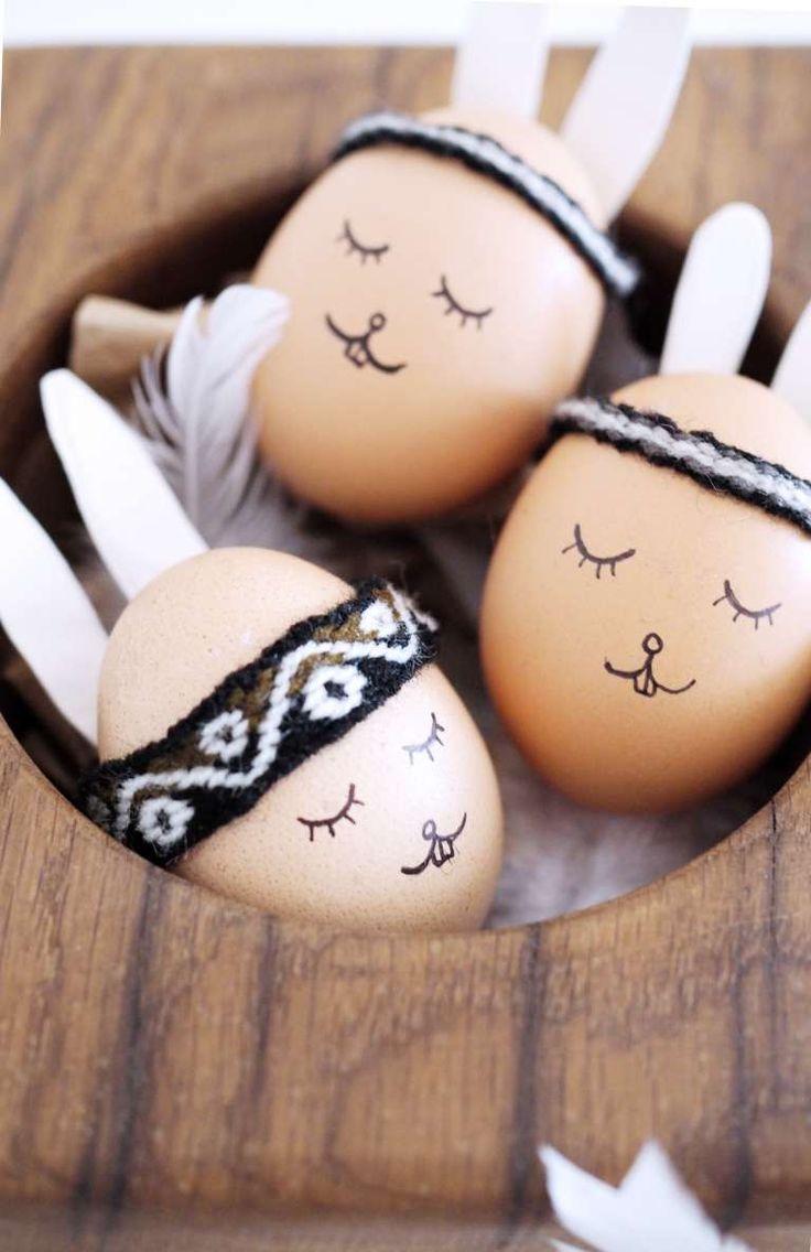 DIY Osterdeko: Wie du den Boho-Look auch für deine Ostereier hin bekommst und viele weitere Ideen für dein DIY Osterbrunch findest du auf dem Blog!