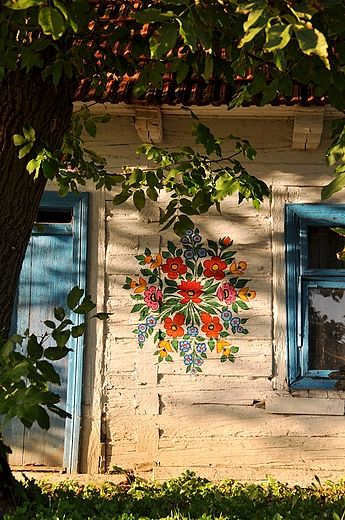 : Idea, Folk Art, Painted Houses, Painted Flowers, Floral Folk, Folkart, Painting, White House