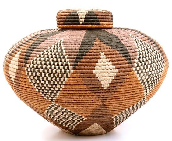 By renowned Zulu masterweaver Laurentia Dlamini | South Africa