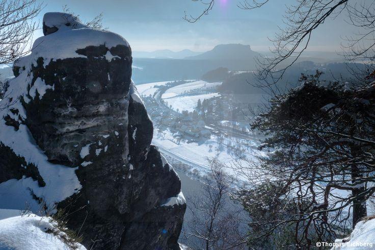 Blick von der Basteibrücke im Winter Richtung Lilienstein.