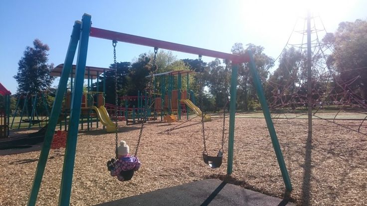 Macleay Park, Balwyn North on the Melbourne Munchkin blog http://melbournemunchkin.com/2016/10/16/macleay-park/