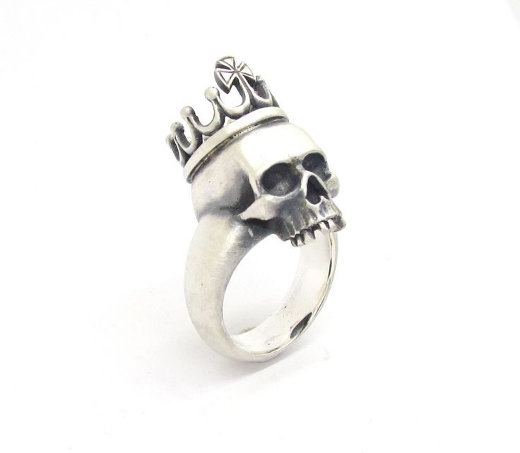 New 'KING' skull ring from Sirkel Jewellery in sterling silver.