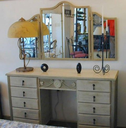 23 best MUEBLES PATINADOS images on Pinterest   Paint, White people ...