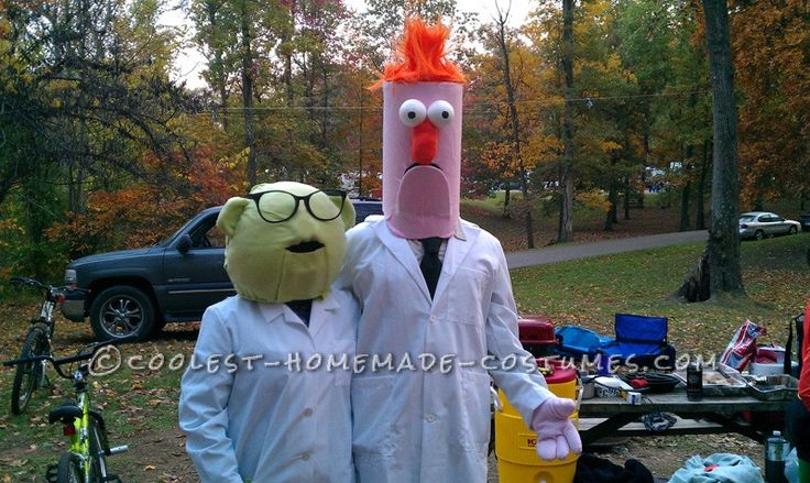 Coolest Homemade Bunsen and Beaker Couple Costume... This website is the Pinterest of costumes