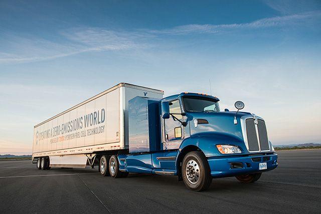 実験車両のFC大型商用トラック / トヨタ、FC大型商用トラックの実証実験を米国LA港で今夏より開始  -港湾での大気汚染対策への貢献に加え、FC技術の大型商用車への応用を検証-   #トヨタ #トラック #Toyota #Truck