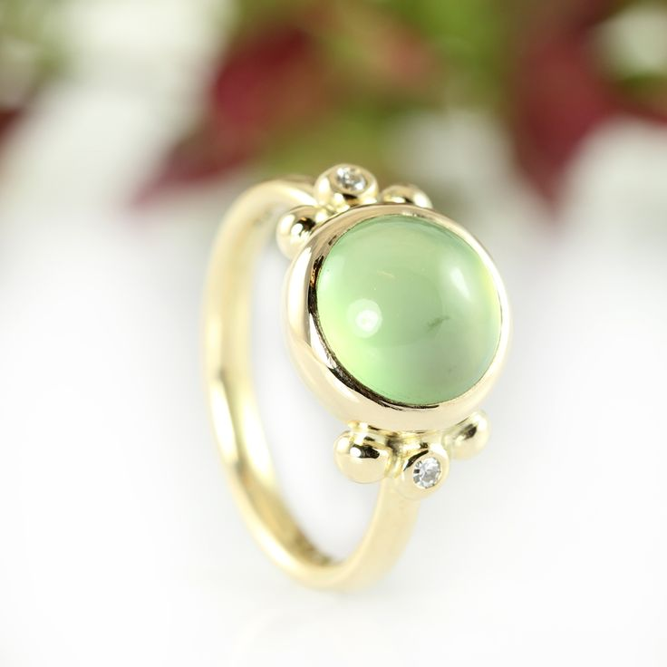 Galleri Castens - Looking for Spring - gold ring with green serpentine and diamonds