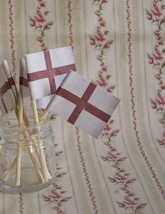 St George's Cross Set of 5 Mini Paper English Flags by British Cream Tea