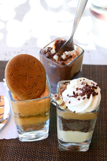 Mini Indulgences at Seasons 52 (where every dish is under 500 calories!) #dessert
