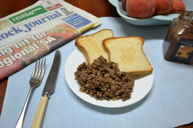 Sweet and Spiced Breakfast Mince     (3 ingredients)