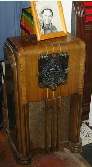 1000 images about shortwave radio on pinterest east for Classic house radio station