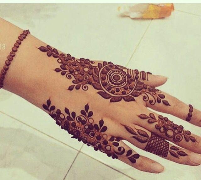 Mehndi Design Artist. Henna Tattoo Design. Mehendi Mandala Art #MehendiMandalaArt #MehendiMandala @MehendiMandala