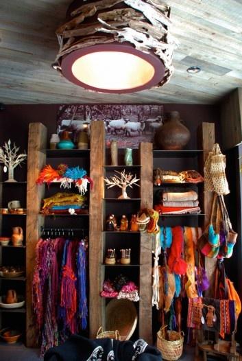 Maki rescata la rusticidad, colores, contrastes y potencia de la naturaleza del sur de nuestro país.