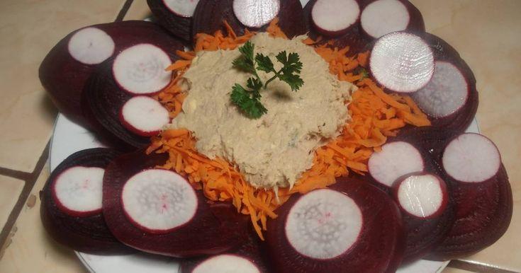 Fabulosa receta para Ensalada de remolacha y zanahoria. Una mas, jejeje...Hay que sacar imaginacion para no aburrirse de comer algo que se vea siempre igual...