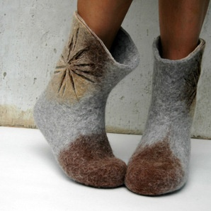 Hand felted women boots San Sun Flowers  http://www.tabathascreations.com