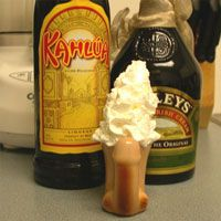 How To Make a Blow Job: Bachelorette Drinks, Bachelorette Parties Drinks, Drinks Recipes, Blowing Job Shots Recipes, Parties Ideas, Bachelorette Party Drinks, Kahlua Recipes, Delicious Drinks, Drinks Ideas