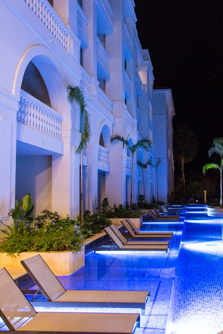 Who says that lounging is just for the day time? Spread out and relax after sundown at Hyatt Zilara.