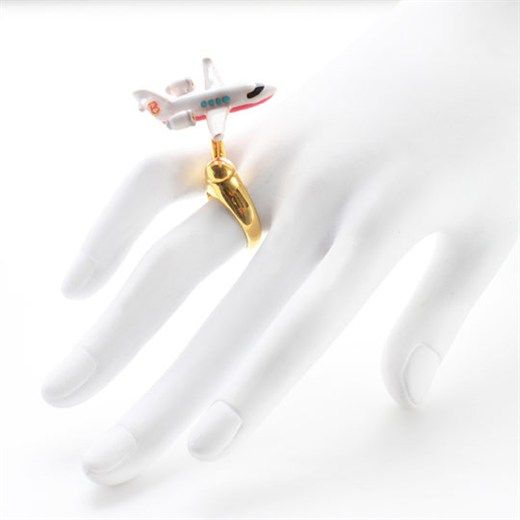 nOir Jewelry Moving Jet Ring