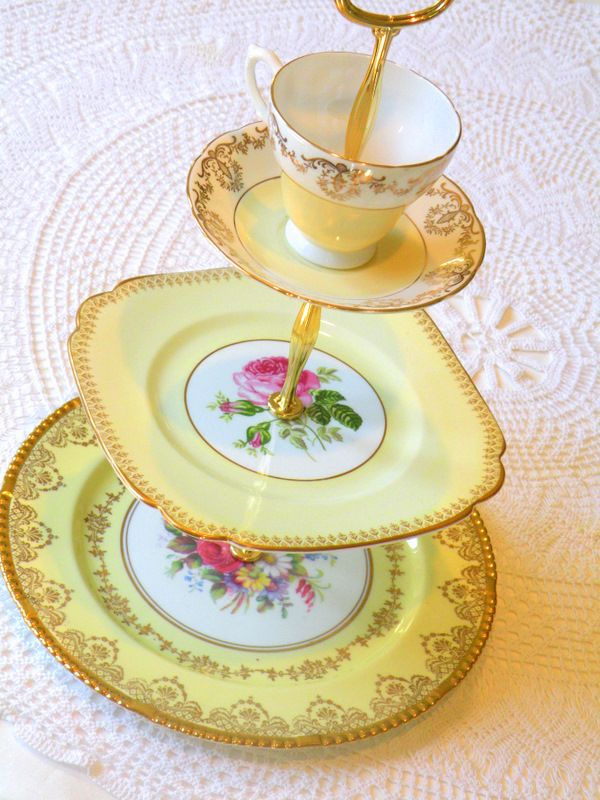 Teacup tiered serving tray