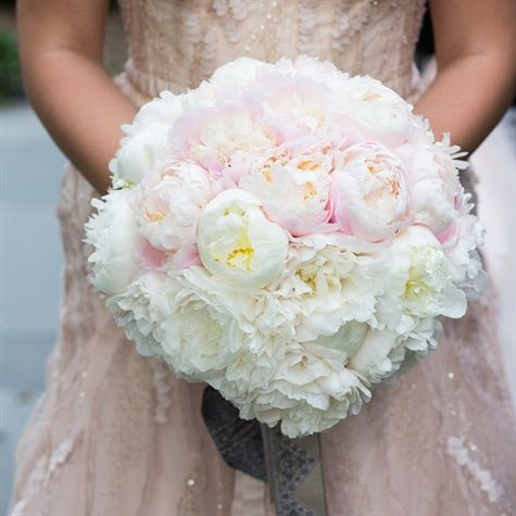 Bridal Bouquet, Wedding bouquet, wedding flowers, boutonnière, bridesmaids bouquet, florals, centerpieces, aisle, petals, snapdragons, peony, roses, garden roses, hydrangeas, tulips, lilies, greenery, blush, peach, burgundy, plum, white, ivory, red, magnolias, wedding, wedding planning, planner, coordinator, christina sloan, christina sloan events, sweet cotton designs, southern, alabama, traditional, accent flowers, elegant.
