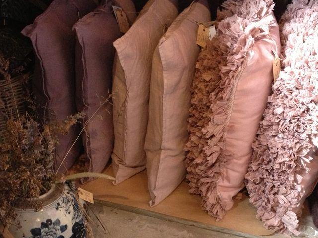 linnen-en-plukken-kussens-oud-roze