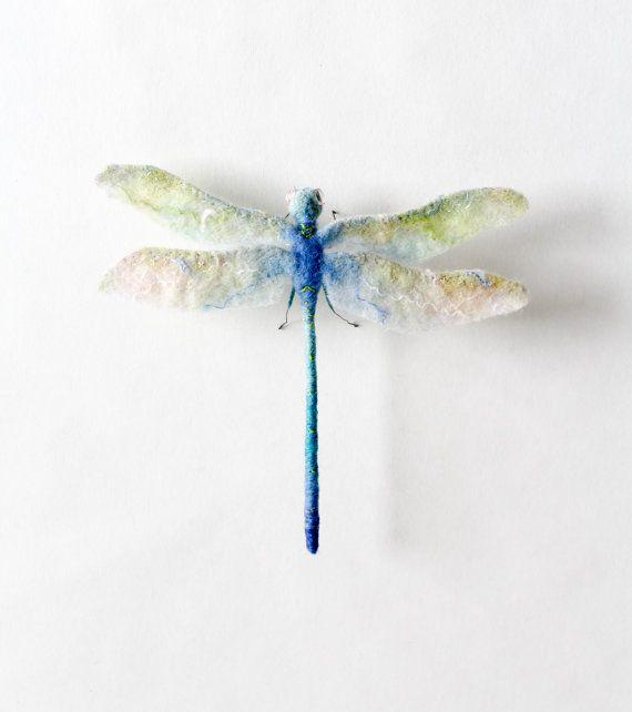 Sonderanfertigung. Libelle. Kunst Spielzeug. von TwoSadDonkeys