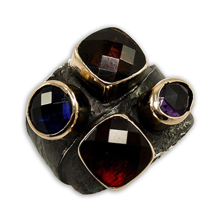 Dört Taşlı Özel Tasarım Kadın Yüzük  Fiyat : 109.00 TL  SİPARİŞ için www.besengumus.com www.besensilver.com  İLETİŞİM için Whatsapp : 0 544 641 89 77 Mağaza     : 0 262 331 01 70  Maden         : 925 Ayar Gümüş&Bronz Taş                : Safir, Sitrin, Ruby, Ametist Kaplama      : Oksit Ağırlık          : 9,80 gr  Besen Gümüş  #besen #gümüş #takı #aksesuar #özeltasarım #dörttaşlıyüzük #kadınyüzük #izmit #kocaeli #istanbul #izmitçarşı #ankara #alaçatı #antalya #izmir #alışveriş