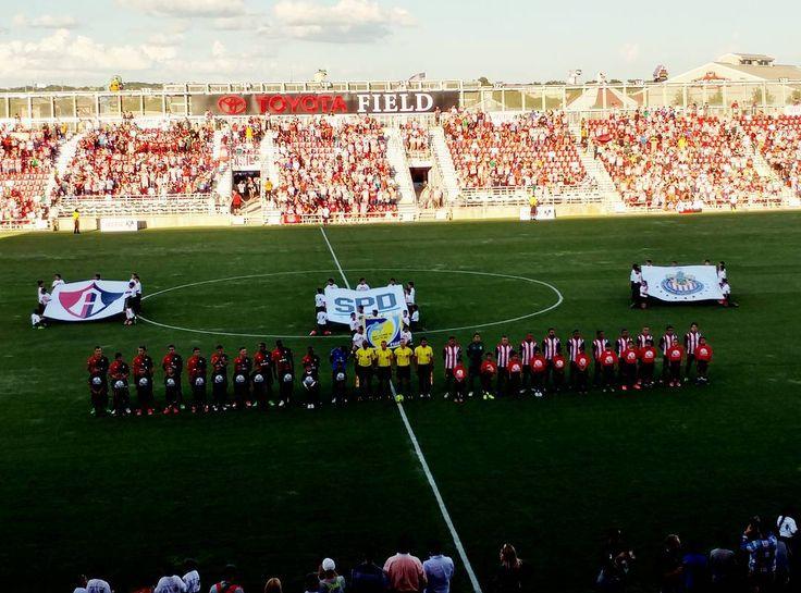 CHIVAS PIERDE ANTE ATLAS EN AMISTOSO En partido jugado en Texas, los rojinegros ganan 2-0 al Rebaño. Éste fue el segundo juego de pretemporada para ambos equipos.