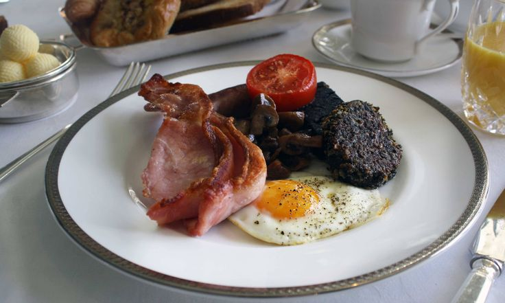 If you went to Wales and ordered yourself a full Welsh breakfast, your plate would come loaded with bacon, pork sausage, blood sausage, eggs, and tomato...