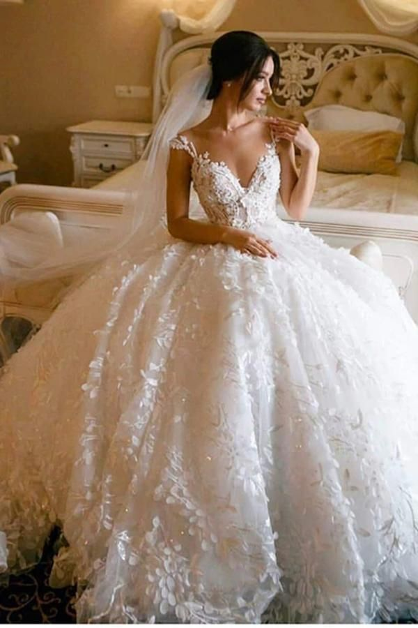 Floral Lace Wedding Dresses Vintage Ball Gown Wedding Dress Mw307 In 2020 Online Wedding Dress Floral Lace Wedding Dress Wedding Dresses Lace Ballgown