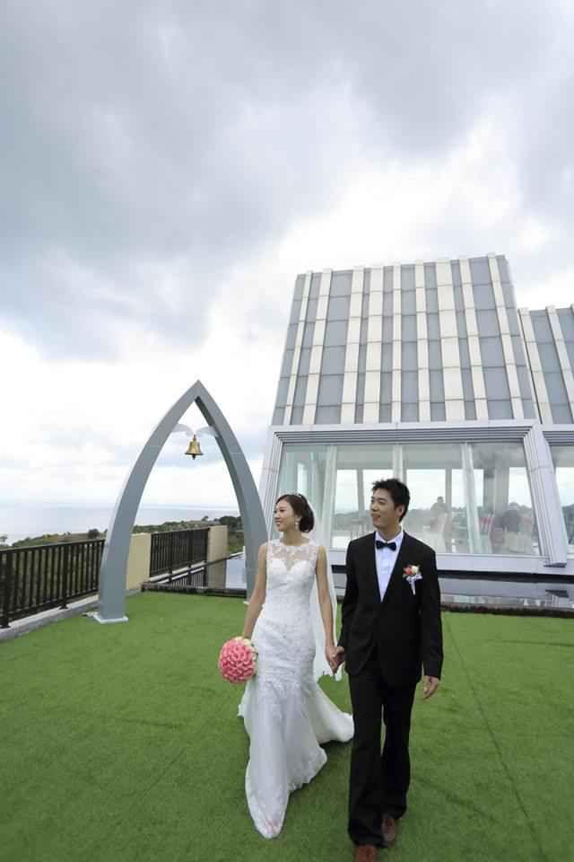 Свадьба в часовне Rich Sky, Денпасар, Индонезия - свадебный пакет от Golden Harvest Бали Свадьба - iBride.com