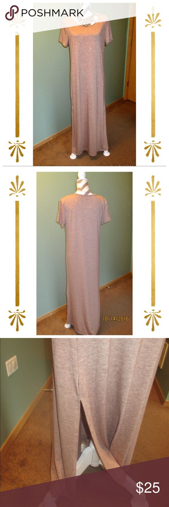 NWOT Brown Maxi Dress ‼️ NWOT ‼️Comfy loose fitting maxi dress. Has a slit on the sides. Great to pair with scarves or statement pieces. 5th & Love Dresses Maxi