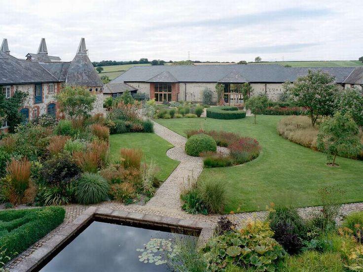 Bury court piet oudolf water feature piet oudolf for Piet oudolf private garden