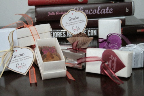 Melate Chocolate. Teléfono 312 7139