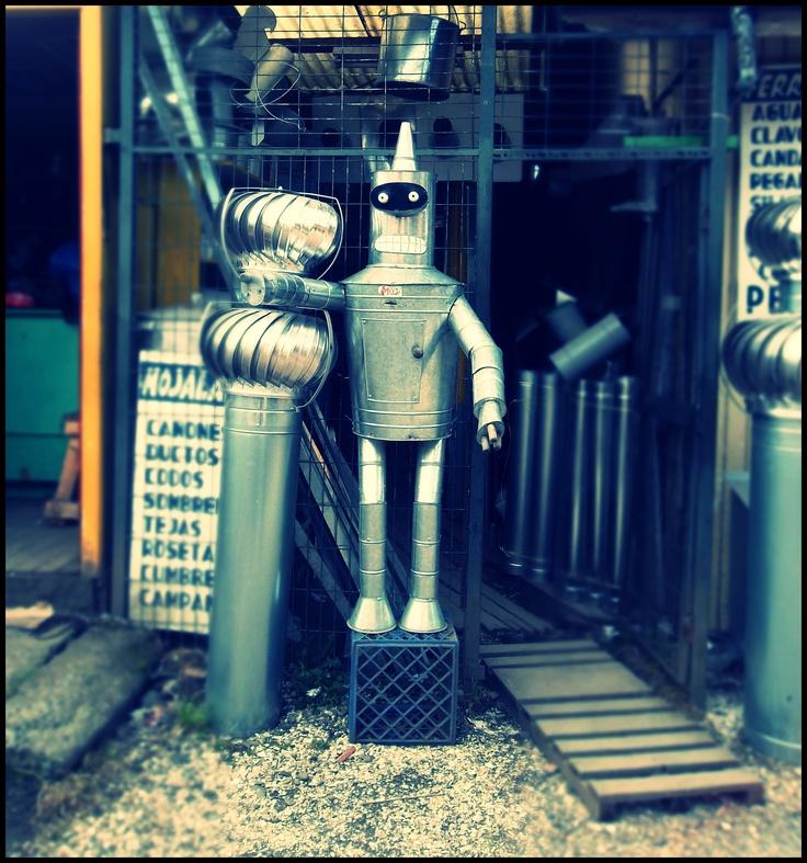 Bender in the town of Chiloé // Bender en la ciudad de Chiloé. =)