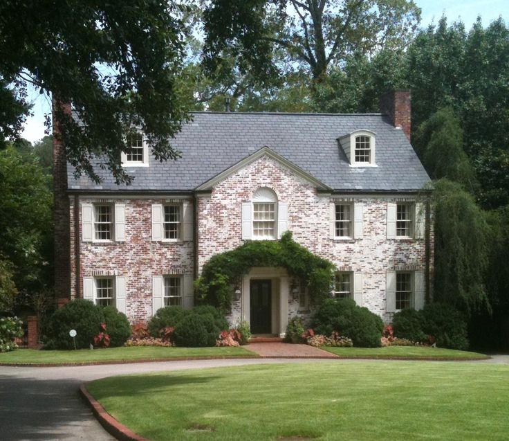 167 best gorgeous exteriors images on pinterest for Classic english house