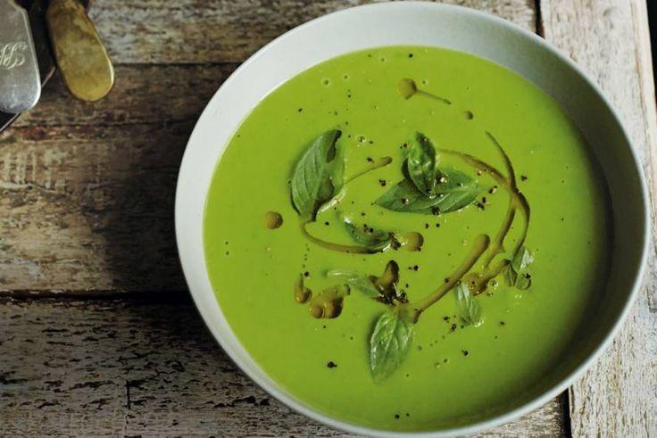 Een heerlijke soep voor iedereen met veel trek, maar weinig tijd. Recept van food-ster Anna Jones - Recept - Allerhande