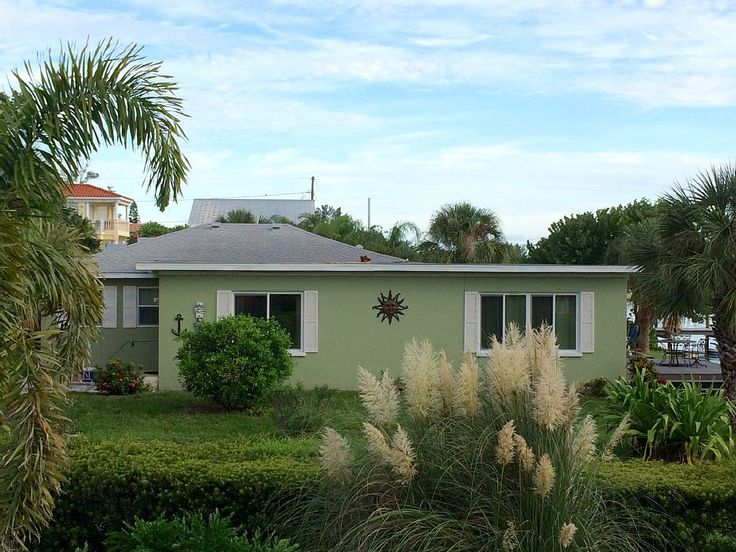VRBO.com #759105 - Newly Decorated 2 Bd 1 Bath Accommodation Located in a Perfect Location on Water