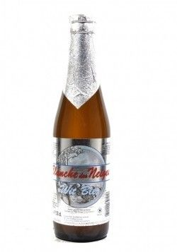 Cerveja Blanche des Neiges, estilo Witbier, produzida por Huyghe, Bélgica. 4.9% ABV de álcool.