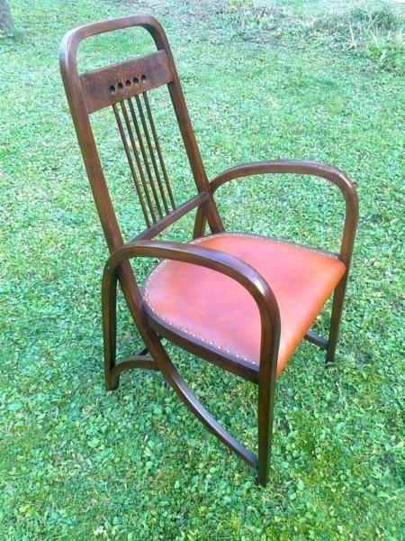 """THONET 511 SESSEL - SAMMLER RARITäT !Thonet Sessel No. 511 von 1904. Vierkant Bugholz, im unteren Bereich des Alle Schrauben orginal. Gestempelt Thonet und Papieretikett. Kein Wurm.Designer: Josef Hoffmann, 1904Handpoliert, ohne Lack.Bezug: RINDSLEDER - einzeln genagelt - NEUWENN SIE AUF ,,weitere Anzeige..."""" klicken, befindet sich Meine durch 40 Jahre gesammelte THONET/J"""