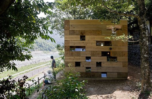 Built by Sou Fujimoto in Kumamoto, Japan with date 2006. Images by Iwan Baan. I thought of making an ultimate wooden architecture. It was conceived by just mindlessly stacking 350mm square.   Lum...