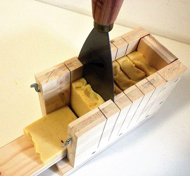 die besten 25 seifenschneider ideen auf pinterest seifenformen wie man seife macht und. Black Bedroom Furniture Sets. Home Design Ideas