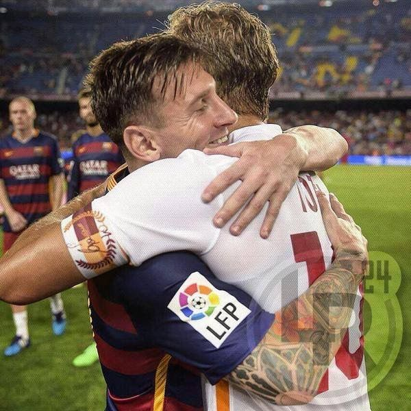 Legends! Messi & Totti.